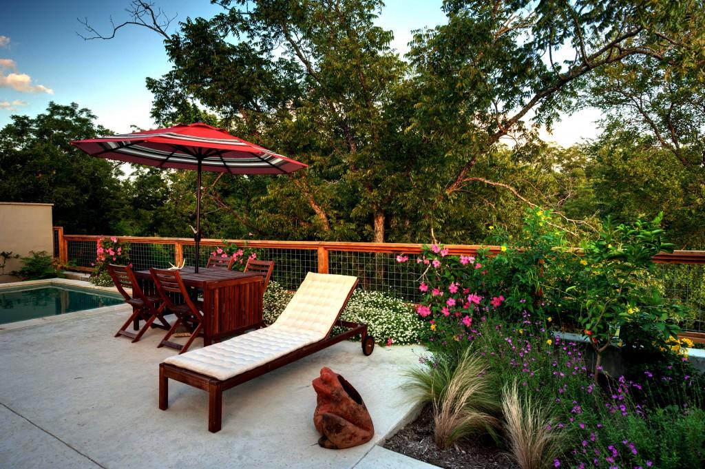 c-garden lounge
